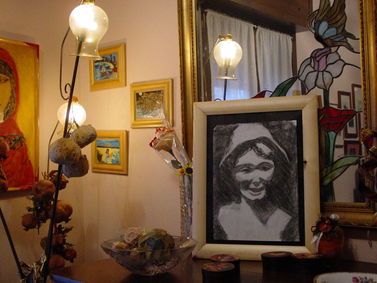 Lucia - carboncino su cartone - 23x34cm
